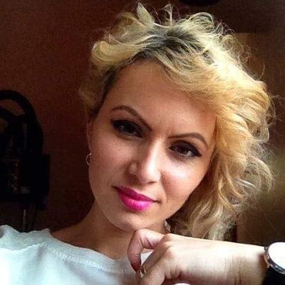 Charleneadoni